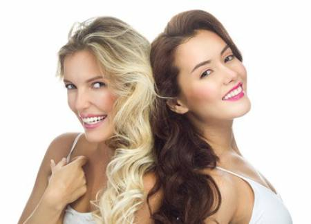 Blond, dumm – oder Friseurin?