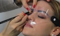 Augenbrauenschablone